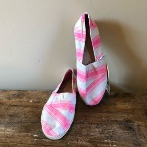 Toms Pink and White Shoes Size 7  NWT